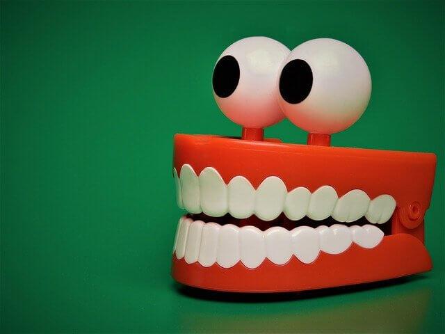 שתלים בשיניים